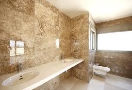 badezimmer marmor fliesen wand glasiert beige