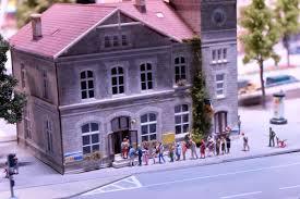 bureau de poste lyon 3 mini world lyon une visite géante lucky
