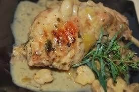 cuisiner un lapin au vin blanc recette de lapin au vin blanc à la crème estragon et chignons