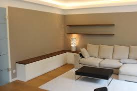 lowboard im wohnzimmer schlicht und zeitlos weiße front