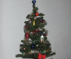Silvertip Christmas Tree by Rotating Christmas Tree 9 Steps