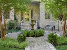 Diy Pea Gravel Patio Ideas by Looks Very French With The Fountain Pea Gravel Boxwood And Gray