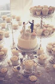 Spring Wedding Cupcake Ideas Inspirational 25 Cute Cakes With Cupcakes On Pinterest