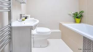 badezimmer in der ferienwohnung größer wirken lassen