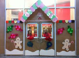 Classroom Door Christmas Decorations Ideas by Christmas Door Decorating Contest Gingerbread House 25 Unique
