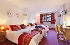 chambre familiale hotel du bourg hébergemement valmorel chambre familiale