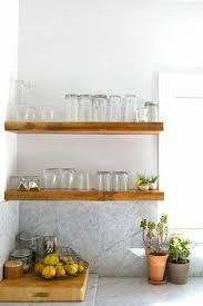 holzregal statt oberschrank regal küche küchen regale