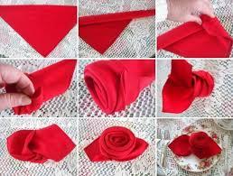serviette de noel en papier pliage serviette en tissu ou papier pour une occasion spéciale