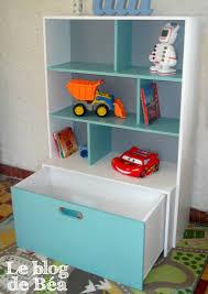 etagere chambre d enfant diy étagère pour chambre d enfant et coffre à jouets photo de la