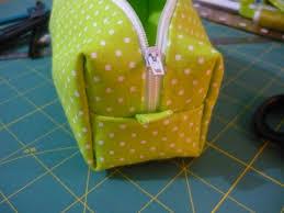 tuto trousse à angle droit carré ou rectangulaire la couture