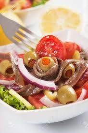 sardellen salat mit oliven und tomaten klassische italienische küche