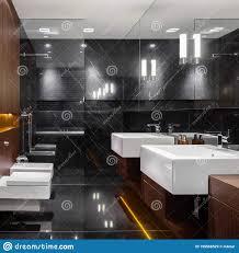 dunkler marmor und holz im badezimmer stockbild bild