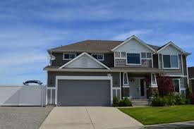 100 Fieldstone Houses Real Estate Listings