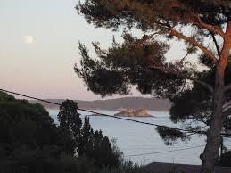 restaurant port du niel hyeres giens luxueuse villa jardin piscine vue mer à côté du