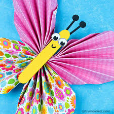 Super Cute Accordion Fold Butterfly Decor Idea For Kids