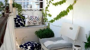 der kleine balkon in weiß 20 wunderschöne ideen freshouse