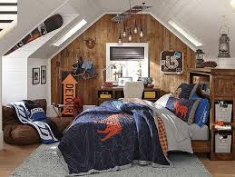lambris mural chambre 82 idées aménagement chambre ado garçon à l américaine decoration