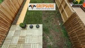 Runnen Floor Decking Uk by Garden Makeover Using Gripsure Non Slip Decking Tiles Youtube