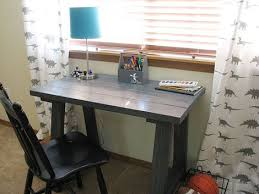 Building A Simple Wood Desk by Best 25 Trestle Desk Ideas On Pinterest Room Tour Scandinavian