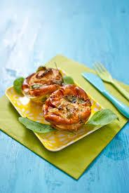 mini quiche pate feuilletee recette de mini quiches sans pâte poireaux et épinards stella