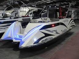 Bayliner 190 Deck Boat by Trailer Boats Are On Trend At Sanctuary Cove International Boat Show