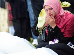 Tens of thousands gather to remember Srebrenica massacre